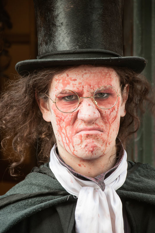 Edinburgh Fringe Festival 2015 man in top hat with blood on his face