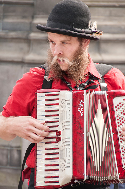 Strangely busking on the Royal Mile, Edinburgh Fringe Festival