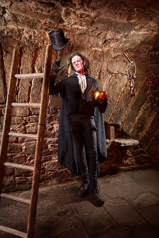 Light painting of Dr Robert Knox in Edinburgh vaults, with floating keys and ladder