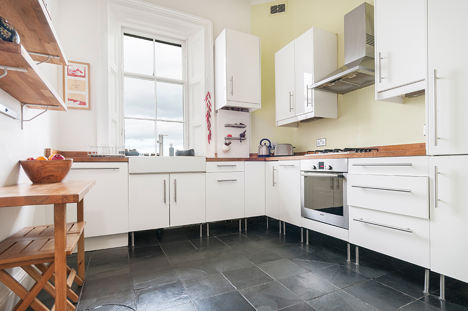 Kitchen in Stockbridge flat, Edinburgh