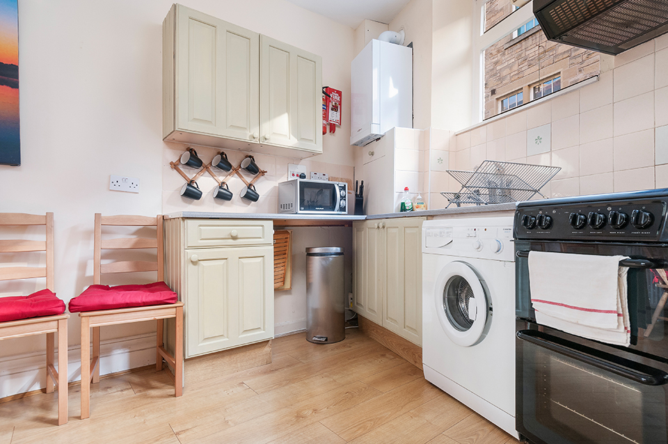 Kitchen, holiday let, Edinburgh
