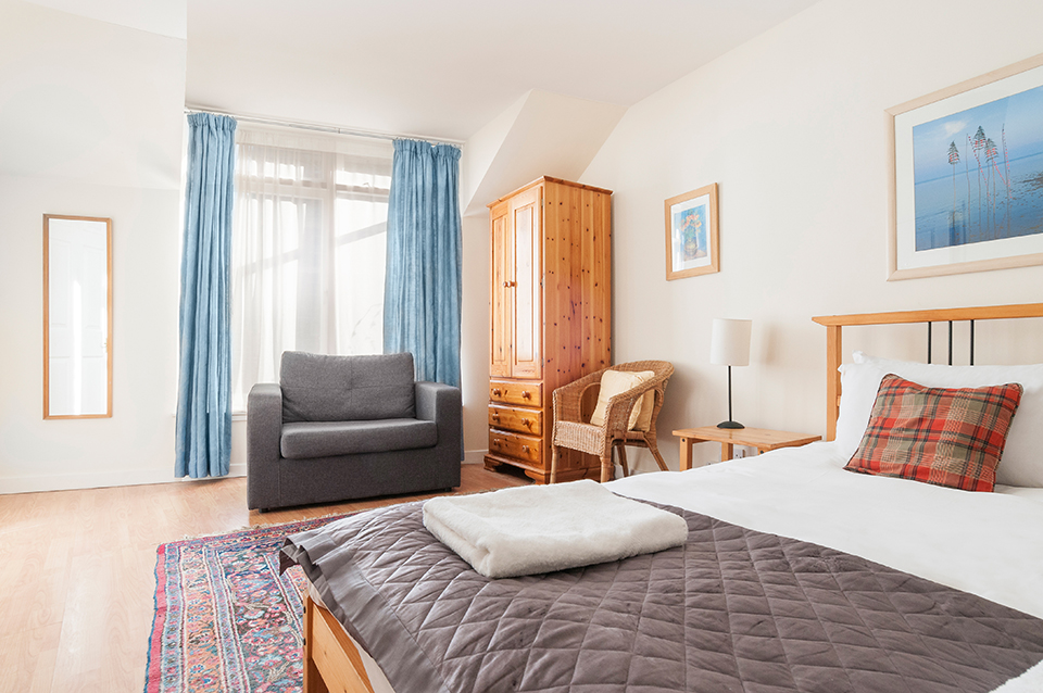 Bedroom with double bed, holiday let, Edinburgh